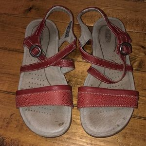 Keen Red Leather Adjustable Strap Sandals Size 5N